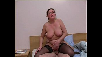 seduced boy beautilull by mature Piss inside pussy