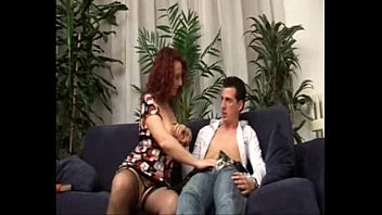 a doblepenetracion madre Step son forces mom to show him her fanny