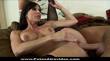 sexo con cuada Asian gets her wet crack expended by two dudes