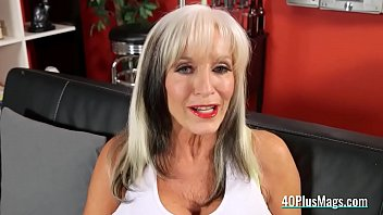 mature hard young fuck Wemcam mom daughter