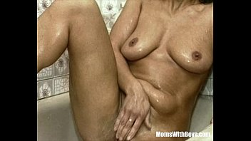 in fucked view1986babe bathroom gets French fisting guy